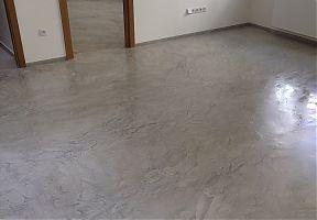 Praha cementová stěrka - podlaha kanceláře