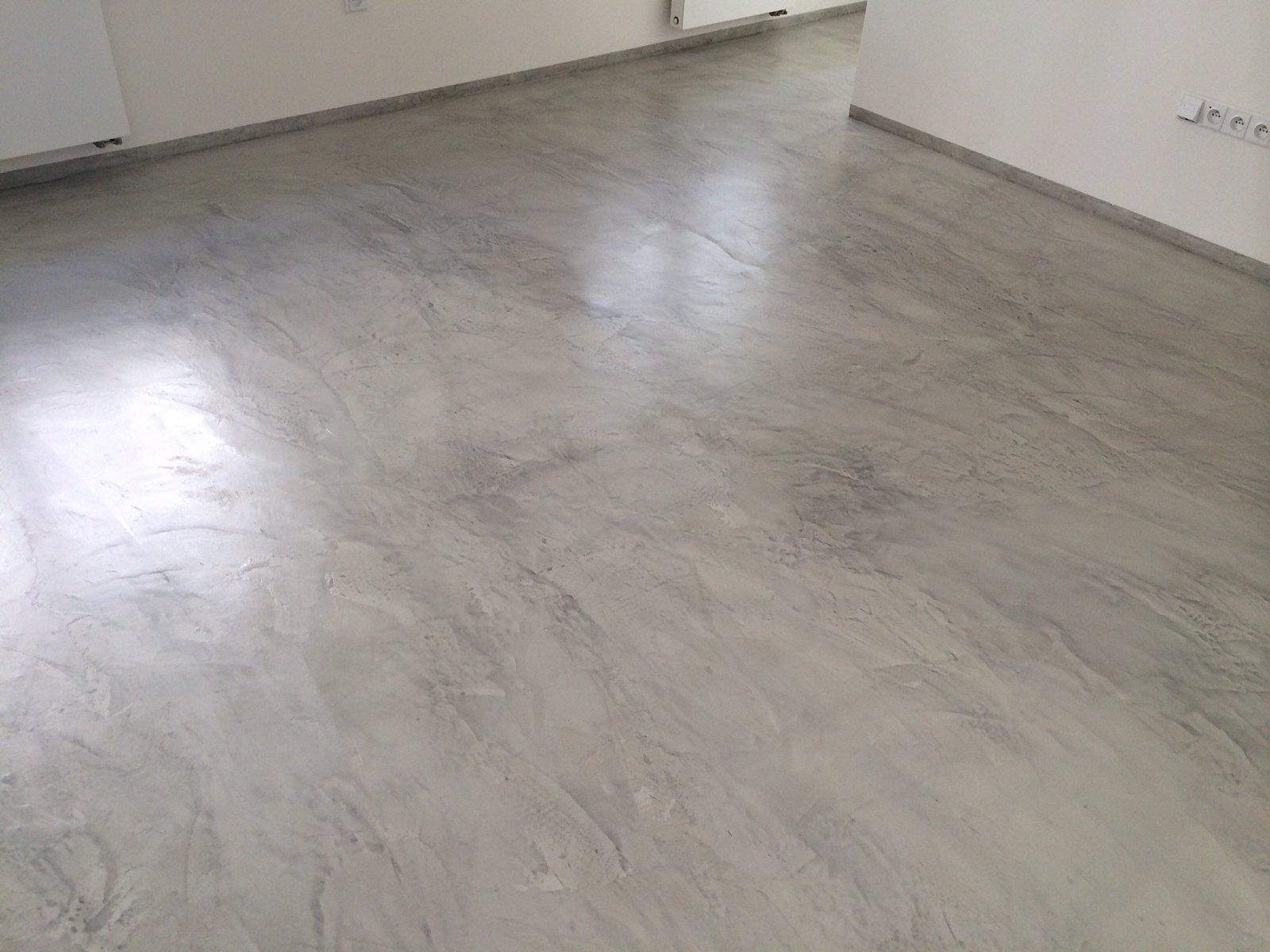 Cementová stěrka na podlahu